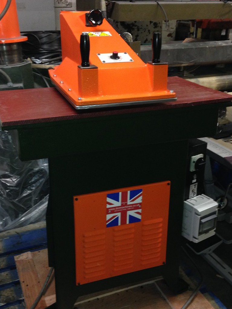 Ares f45 swing arm press Table 900 x450 20 ton cutting pressure