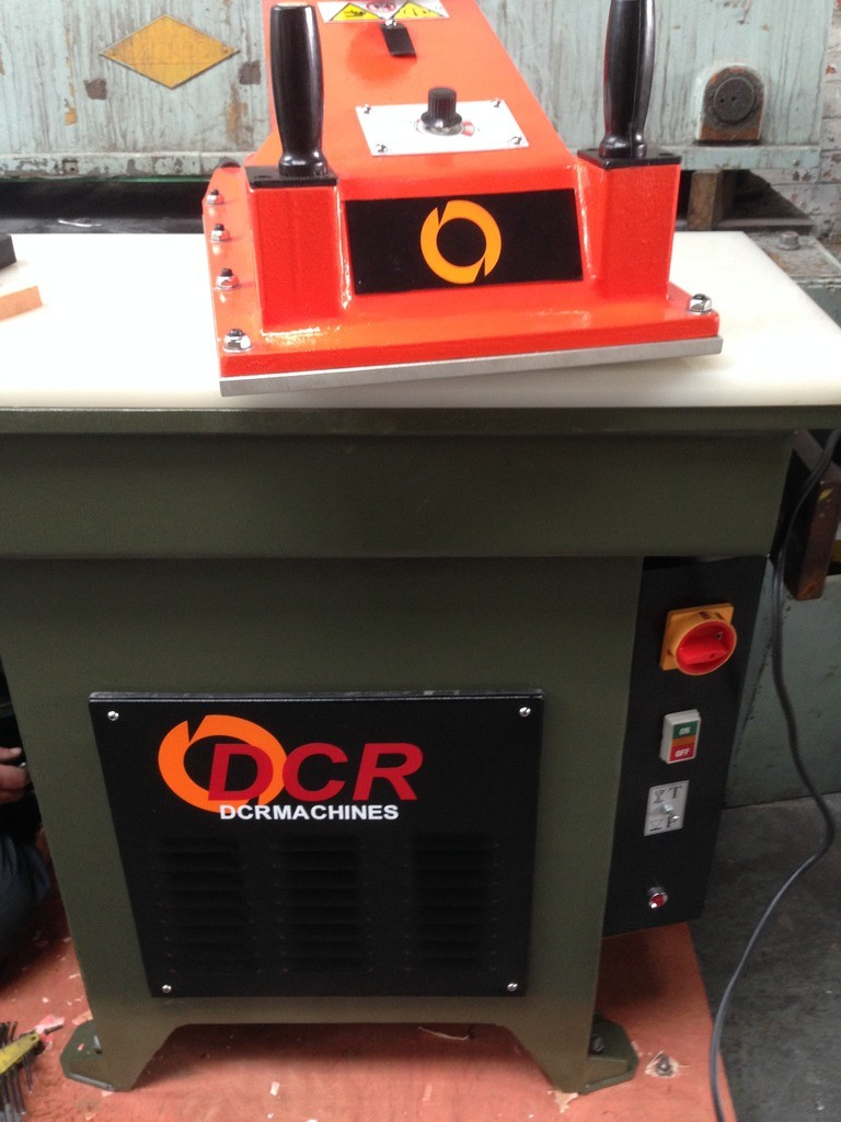 BRAND NEW DCR 20T SWING ARM PRESS TABLE 900 X 430