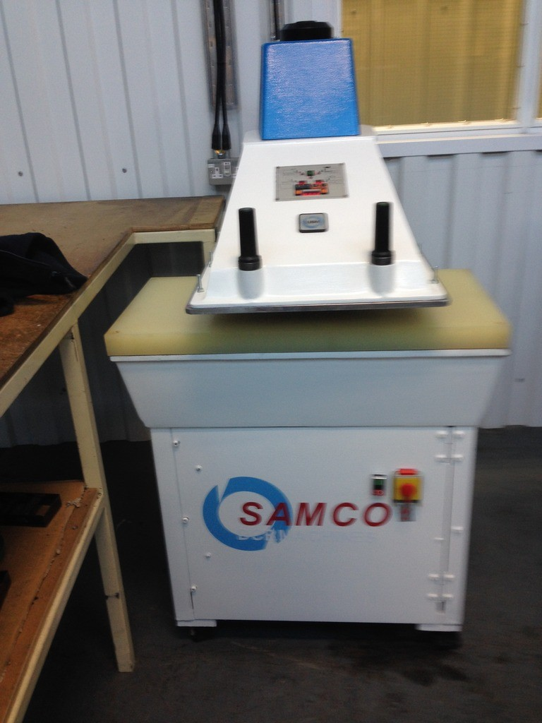 SAMCO SB25 WITH DIGITAL DISPLAY 25 TON PRESSURE TABLE 950 X 450